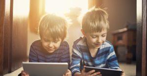 Ekran süresi çocukların dil becerilerini etkiler mi?