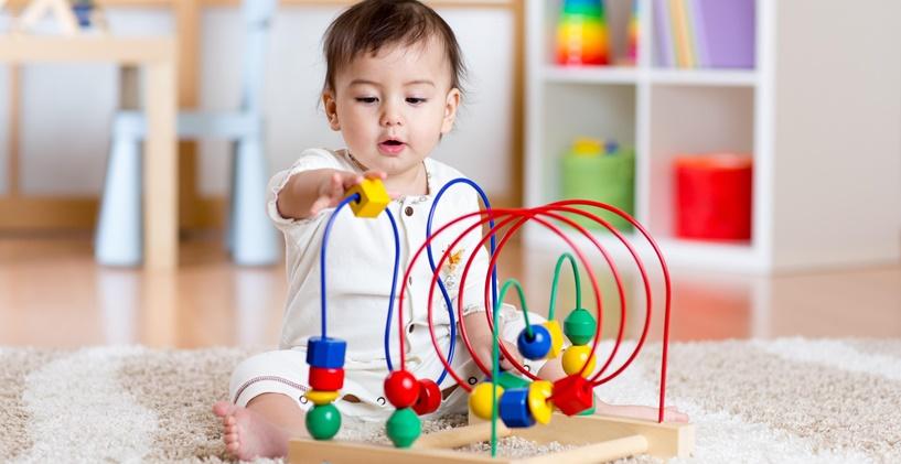 Küçük Çocuklar İçin Uygun Oyuncaklar Nasıl Seçilir?