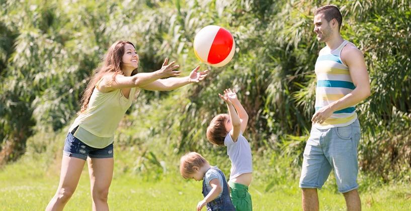 Çocuğunuzun Doğru Arkadaşları Bulmasına Nasıl Yardımcı Olabilirsiniz?