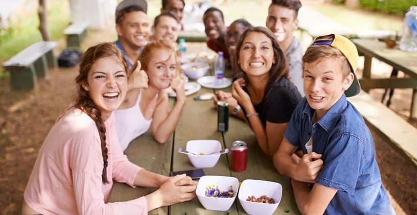 Gençlerin Topluma Bağlanmalarına Yardımcı Olmak