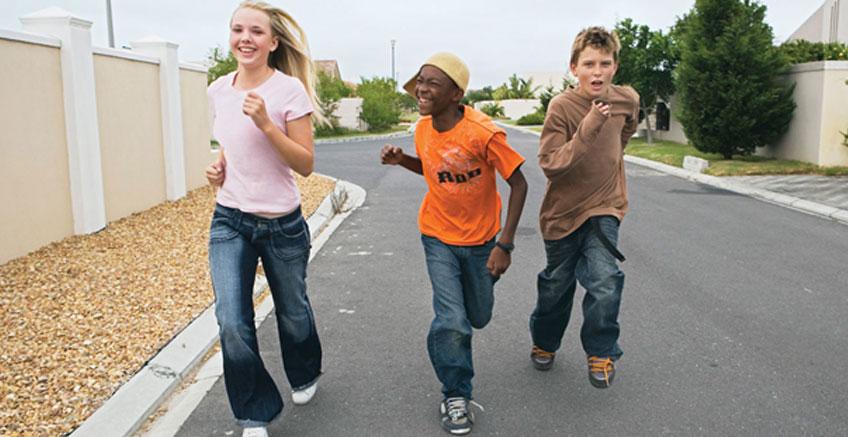 Ebeveynler Ergenlik Döneminde Çocuklarına Nasıl Yardım Edebilir?