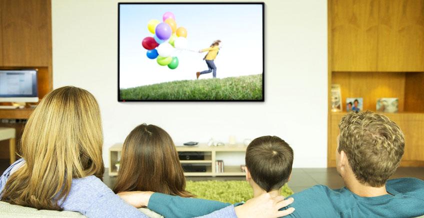 Kaliteli TV Programları Çocukların Daha İşbirlikçi Olmalarına Yardım Ediyor