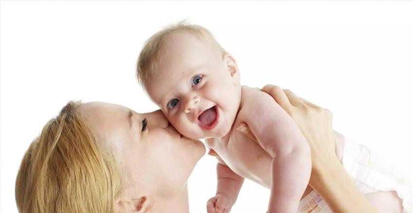 Bebek ve Anne Arasındaki Cilt Temasının 7 Faydası