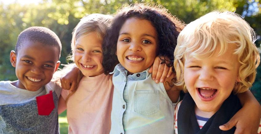 Çocuğunuza Nasıl İyi Bir Arkadaş Olacağını Öğretmeniz İçin İpuçları