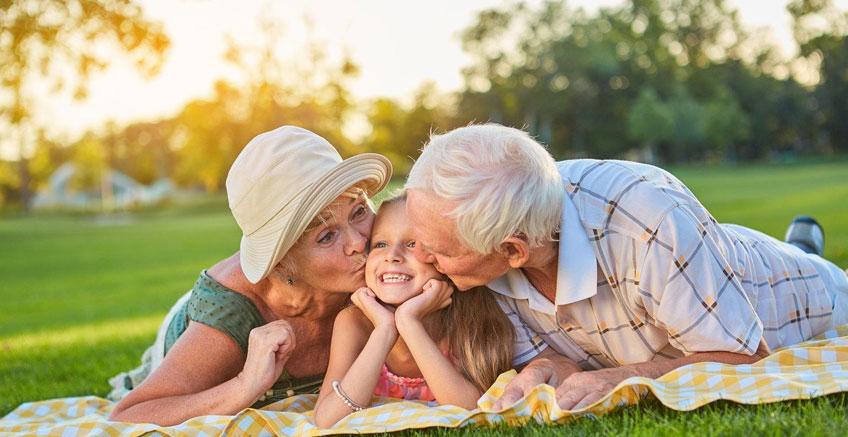 Büyükanne ve Büyükbabalar Torunlarını Şımartıyor Mu?