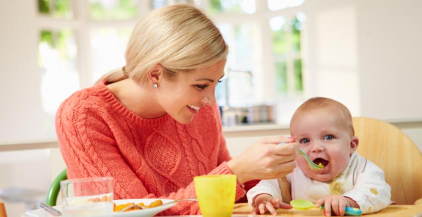 Bebeğime Ne Zaman Katı Yiyecekler Yedirebilirim?