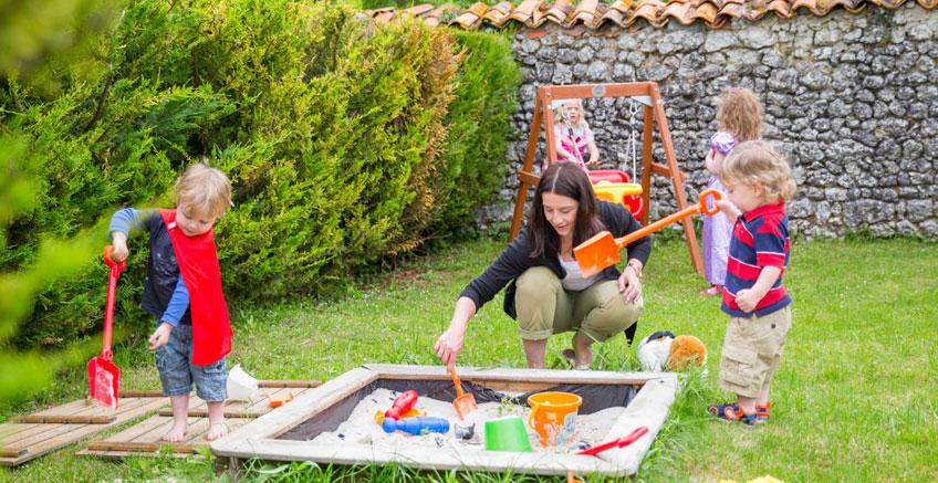 Çocuklarınızı Dışarı Çıkarın – Çocuğunuz İçin 5 Harika Bahçe Düzenlemesi Fikri