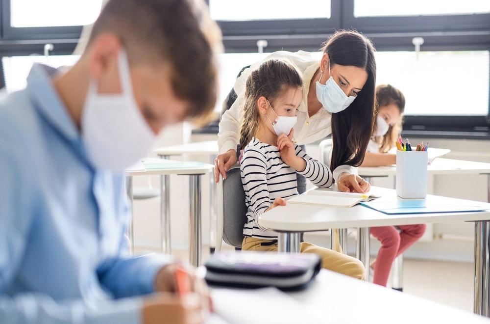 Çocuklara Maske Takmaları Gerektiğini Nasıl Söylersiniz?