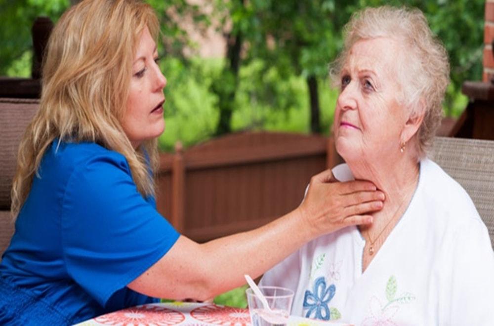 Parkinson Hatalığında Dil ve Konuşma Terapisti Size Nasıl Yardımcı Olabilir?