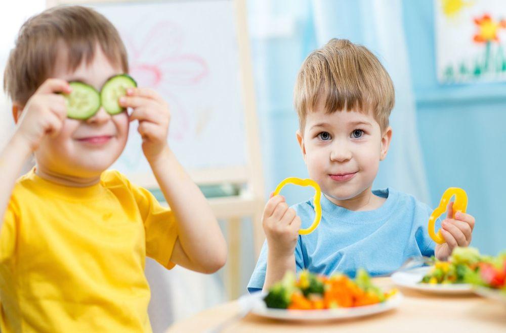 Yemek Sırasında Dil ve Konuşma Egzersizleri Yapın