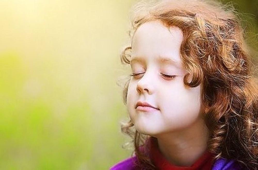 Duygusal Bir Çocuğun Büyük Duygularla Başa Çıkmasına Nasıl Yardım Edilir?