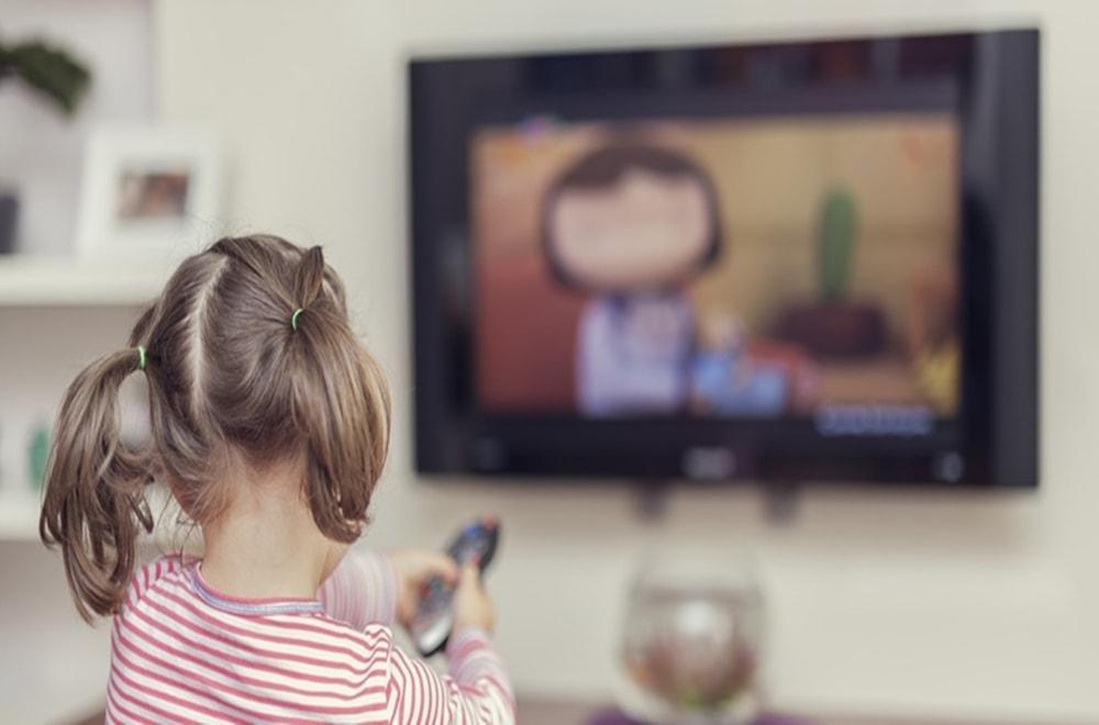 Eğitici TV ve Uygulamalar Çocuklarda Dil Gelişimini Nasıl Etkiliyor?