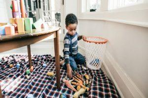 Çocuklar İçin Yaşa Uygun Ev İşleri Kılavuzu